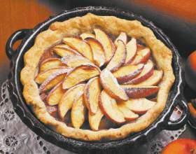 Що приготувати з яблук? Яблучний пиріг, салат, джем і рагу фото
