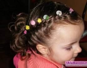 Як робити зачіски своїми руками для дітей? фото