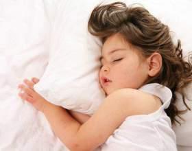 Як вкласти дитину спати? фото