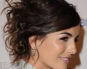Зачіски на випускний на коротке волосся фото