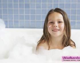 Догляд за волоссям дитини фото