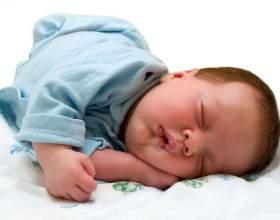 Випадання волосся у немовлят фото